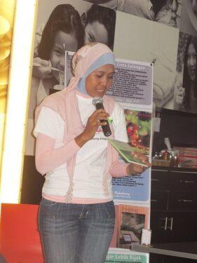 , Launching Buku Belajar Lebih Bijak, Jurnal Suzannita