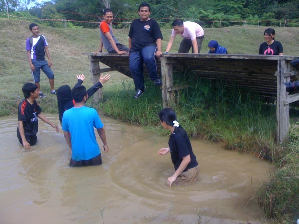 , #MSS2011 Rasakan Ekstrimnya Obstacle Training, Jurnal Suzannita