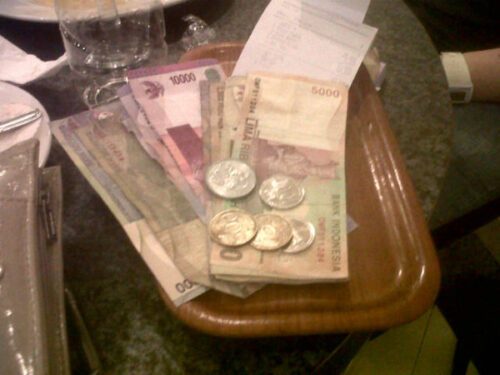 Uang Receh dan Konyol