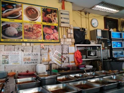 Sarapan makanan khas Palembang di Pasar Kuto, Sarapan makanan khas Palembang di Pasar Kuto, Jurnal Suzannita