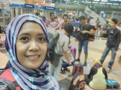 Naik kereta ke Thailand