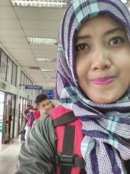 Antri di Imigrasi Padang Besar
