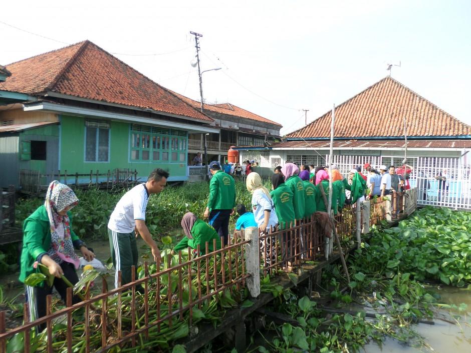 Bersih-Bersih di Kampung Arab Al Munawar Palembang, Bersih-Bersih di Kampung Arab Al Munawar Palembang, Jurnal Suzannita