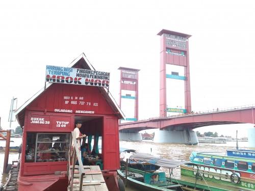 Warung Terapung Sungai Musi