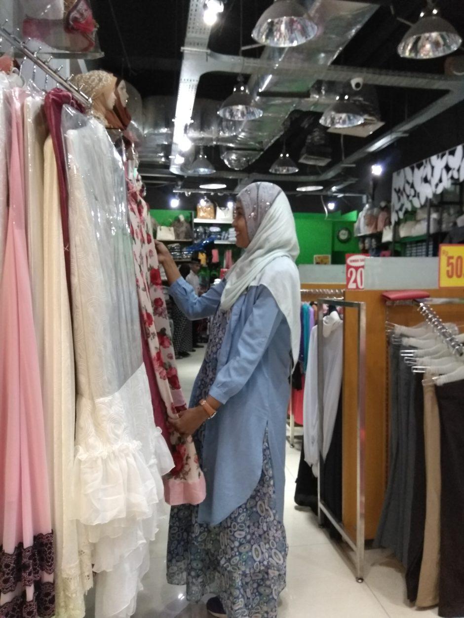 Bijak Belanja Baju Lebaran, Bijak Belanja Baju Lebaran, Jurnal Suzannita