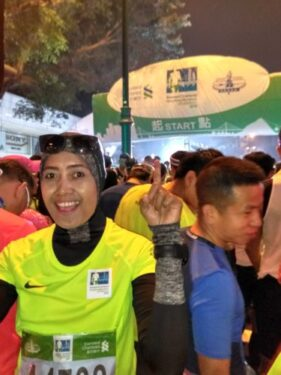 Suzan di Garis Start Hongkong Marathon 2018