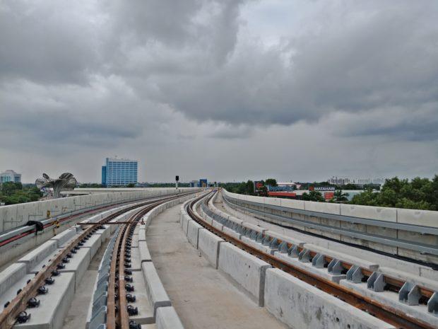 Rel di Stasiun LRT Jakabaring