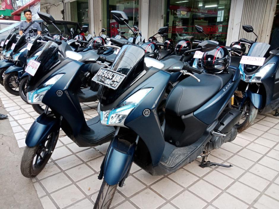 Motor Yamaha LEXi-S Matte Blue
