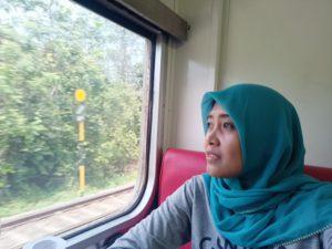 Nikmati Solo Traveling Naik Kereta Api