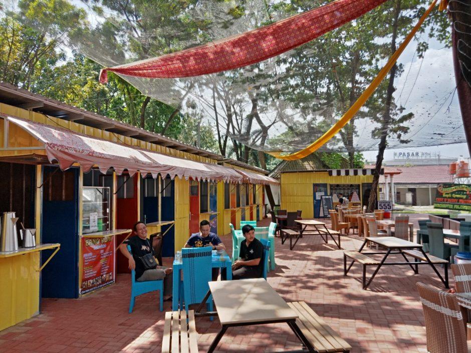 De Burry Cafe Museum, Outdoor Cafe dengan Sentuhan Budaya, De Burry Cafe Museum, Outdoor Cafe dengan Sentuhan Budaya, Jurnal Suzannita
