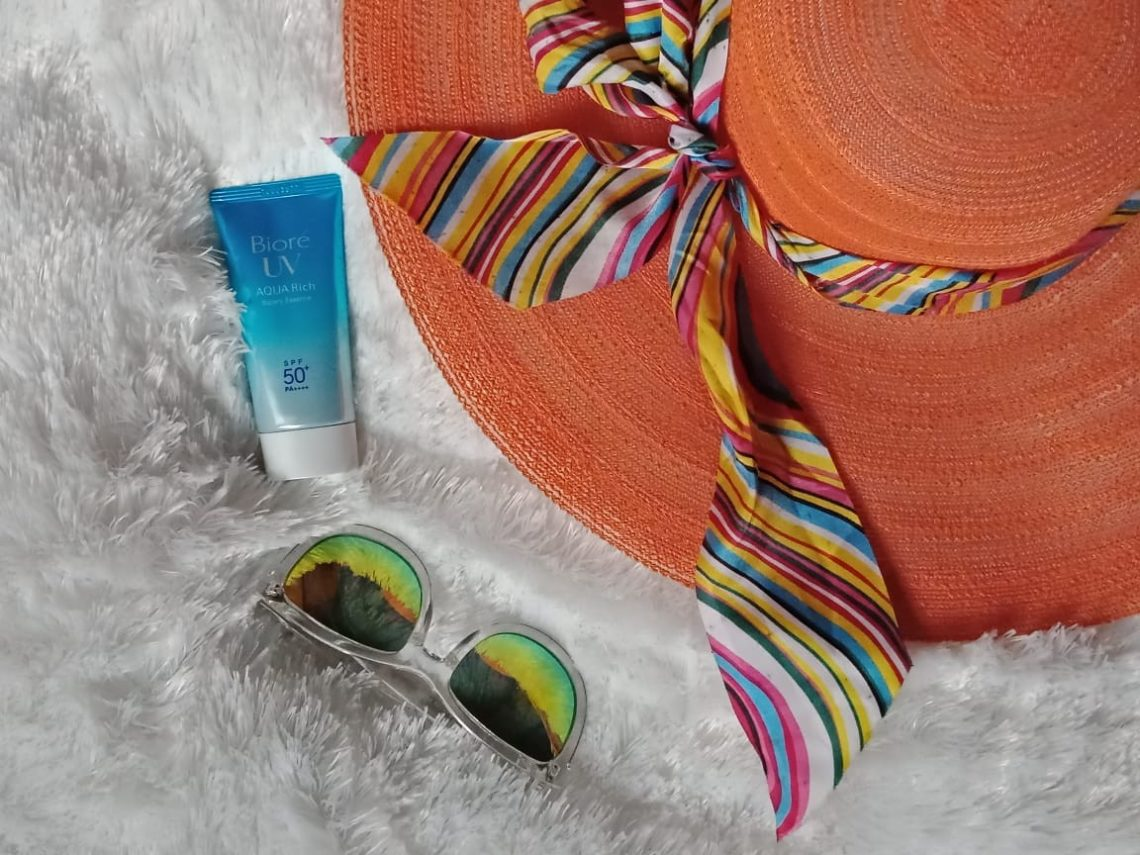 Biore UV Aqua Rich Watery Essence SPF50 Suzannita
