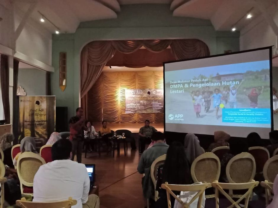 Forest Talk With Blogger APP Sinarmas