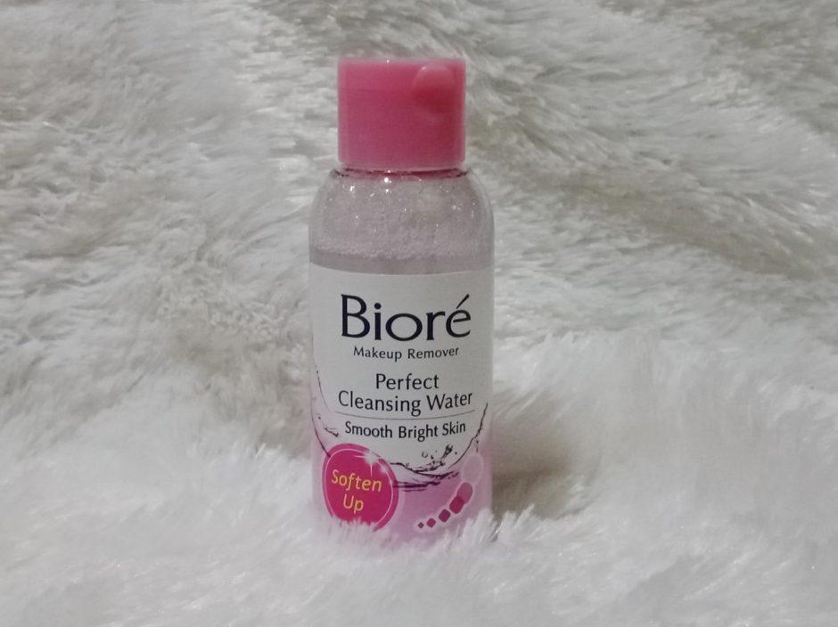 Biore Makeup Remover Perfect Cleansing Water Tampak Depan