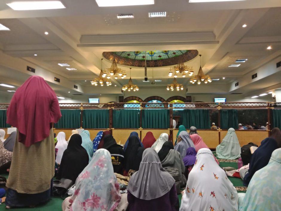 Itikaf di Masjid Al Aqobah Pusri