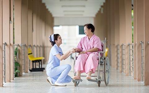 Perawat dan Pasien