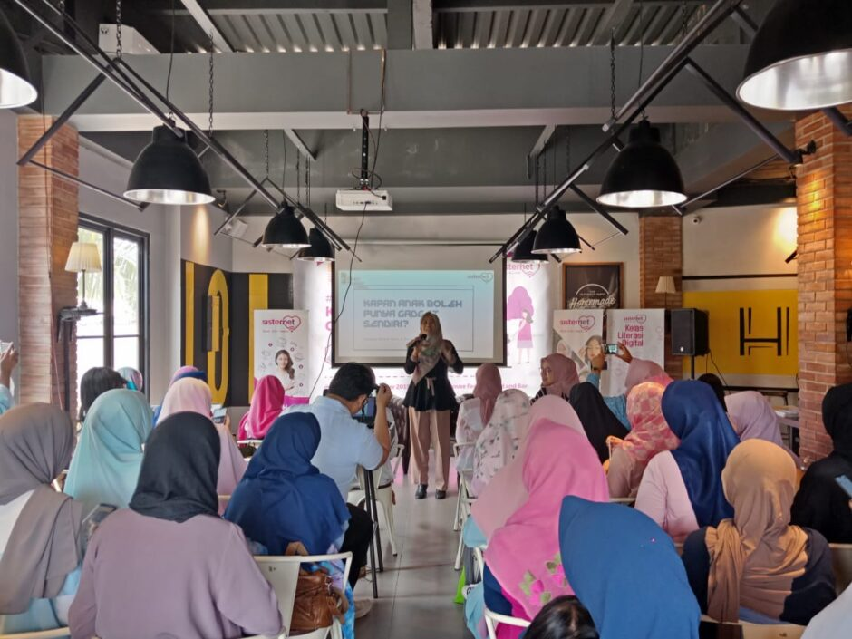 Pembicara, Dosen Psikologi, konselor, Praktisi Pendidikan & Parenting - Tsurayya Syarif Zain, SPd I, SPsi, MA