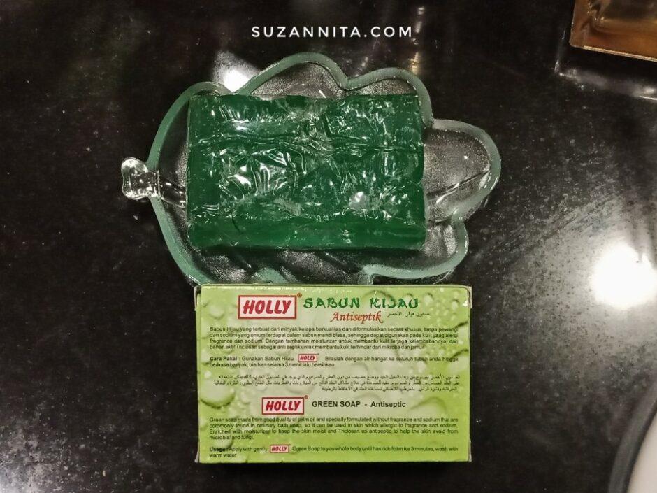 Kemasan Belakang Sabun Hijau Holly