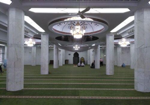 Ruang Tengah Masjid