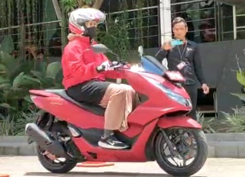 Suzan Test Ride All New PCX